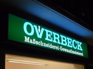 Leuchtkasten der Maßschneiderin Bettina Overbeck aus Hamburg